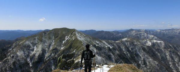 妻と冬山登山